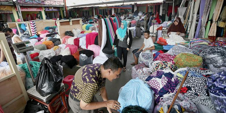 Surganya Kain Tekstil Di Pasar Cipadu
